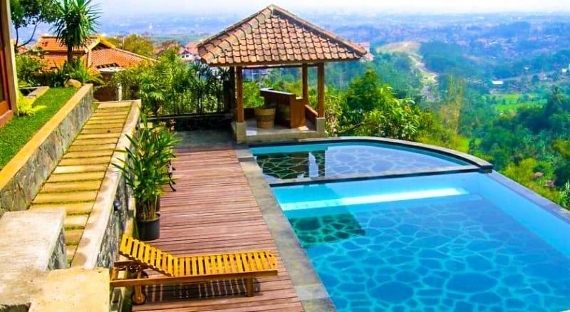 Hotel Mewah Di Bandung dengan Konsep Alam